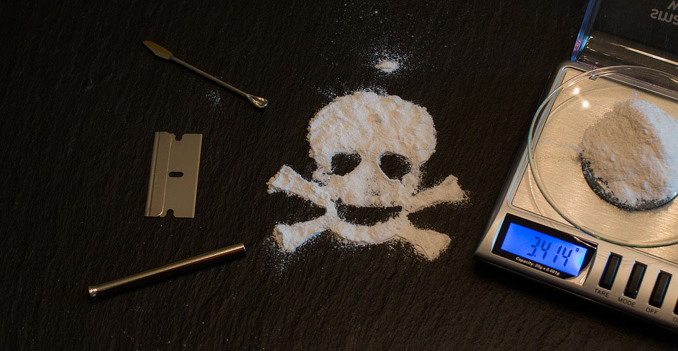 Download Makalah Narkoba, Narkotika dan Psikotropika