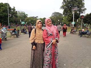 Jalanan lebar di Alun-alun Kota Malang