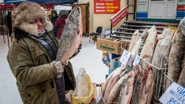"""Η λαϊκή αγορά μένεις... """"παγάκι"""" (βίντεο)"""
