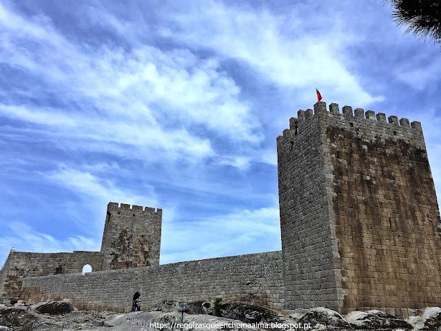 Torre de Menagem e Torre do Relógio do Castelo de Linhares da Beira