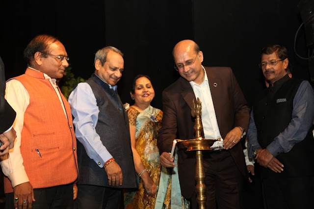 Inaugration- lighting the lamp ceremony by Mukesh Gupta ,Gopal Jiwarajka , President -PHD Chambers of Commerce and Industry and Sulochna Mansi, Chairperson Mansi NGO,