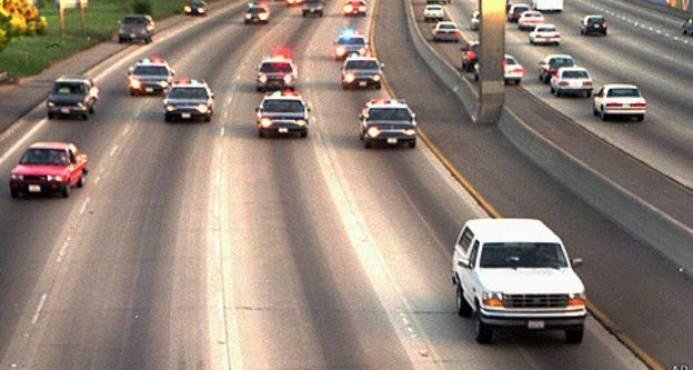 Policía persigue a niño que manejaba vehículo a alta velocidad