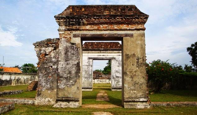 Hasil gambar untuk Banten Lama sebagai bukti penyebaran Islam