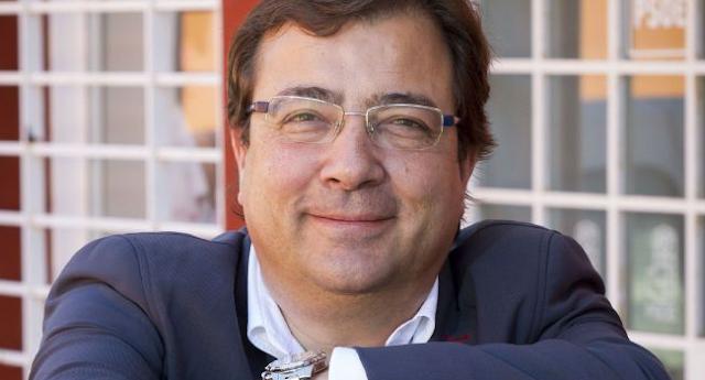 Fernández Vara defiende la abstención del Susanato y rechaza consultar a los militantes