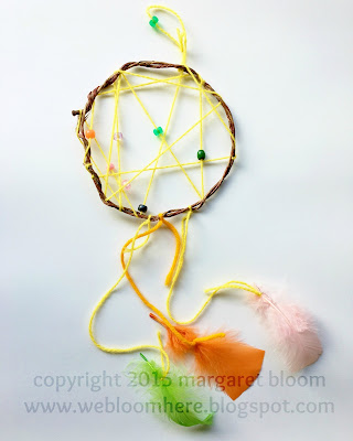 http://webloomhere.blogspot.com/2016/03/tutorial-dream-catcher.html