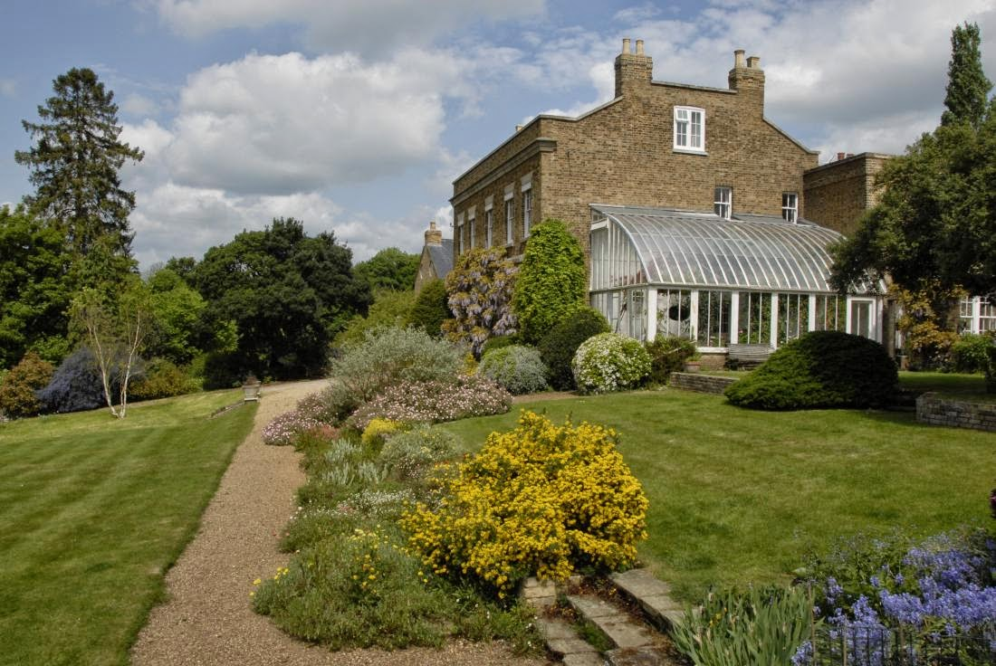 La casa de la galer a blanca guia de jardin for Casa jardin 8 de octubre