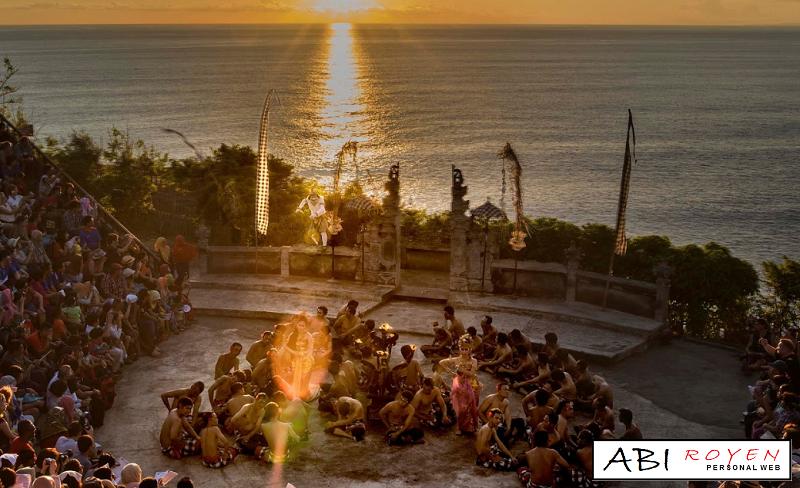 Tempat%2BWisata%2BDi%2BBali%2BPaling%2BSeru%2BTari%2BKecak%2BUluwatu Tempat Wisata Di Bali Paling Seru Yang Wajib Di Kunjungi