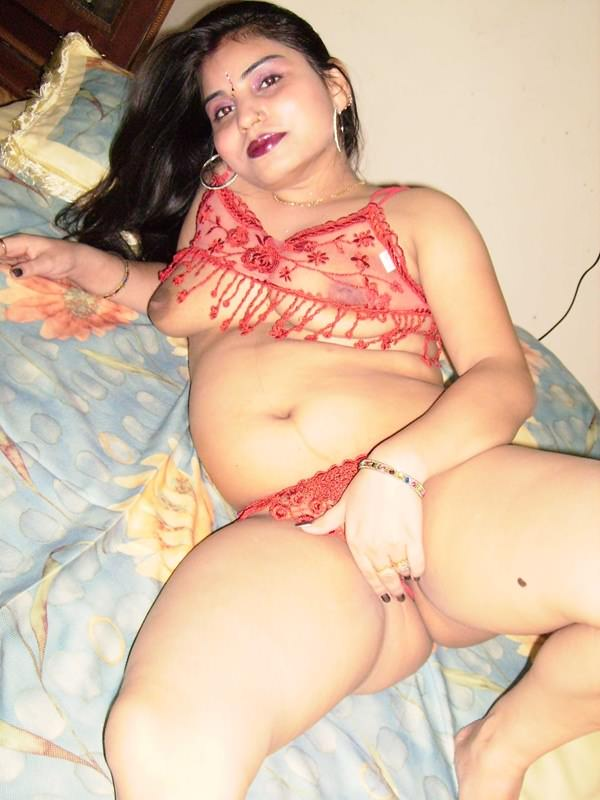 Muslim pakistani girls tight boobs posing nude