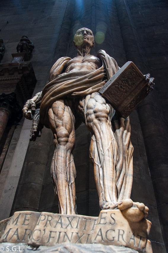 Escultura de San Bartolome en Catedral de Milan
