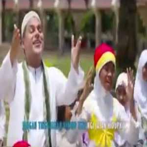 Download MP3 HADDAD ALWI - Jadikan Kami Anak Yang Sholeh