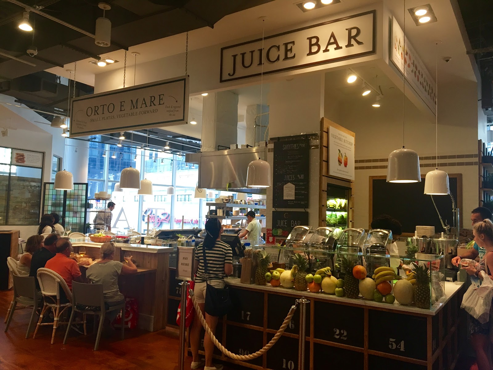 Juice Bar All Sorts Of Fresh Pressed Juices And Smoothies Are Available Along With A Special Spot For Eataly S Fruit Veggie Butcher