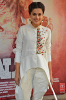 Taapsee Pannu Looks Super Cute in White Kurti and Trouser 21.JPG