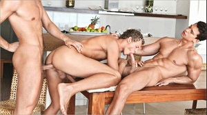Johnny & Tom Have Fun With Jerome – Johnny Bloom, Tom Pollack & Jerome Exupery (Bareback)