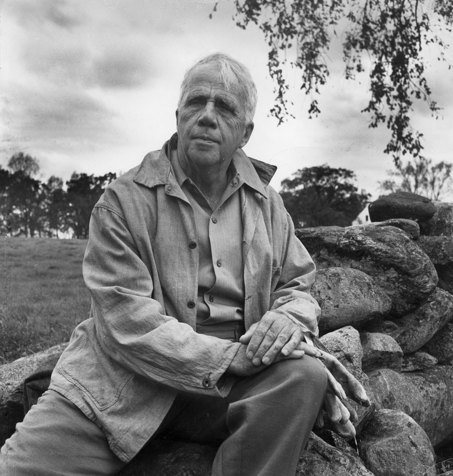 A comparison of Robert Frost's life and his writings