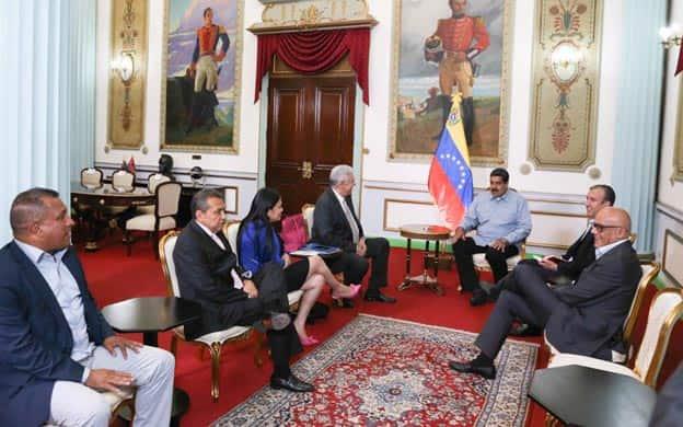 Presidente Maduro se reúne con los 4 gobernadores opositores en Miraflores