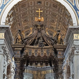 サン・ピエトロ大聖堂の大天蓋、上部