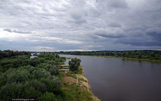 http://fotobabij.blogspot.com/2016/07/rzeka-wisa-widok-z-mostu-jana-pawa-ii.html