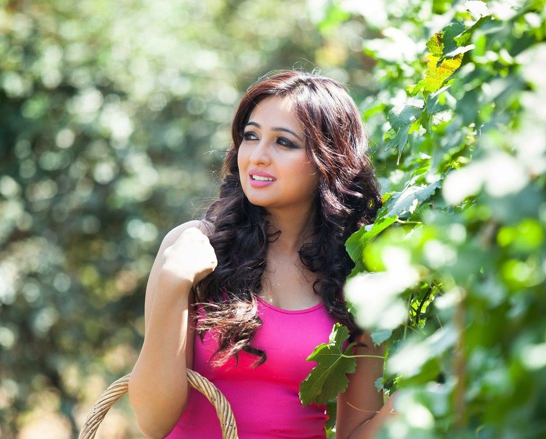 Actress Aavana Latest Images