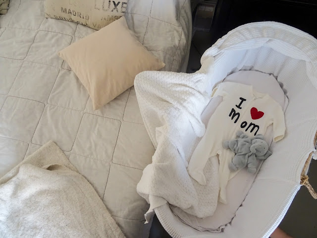 makuuhuone, oma koti, mooseskori, ensisänky, kehto, korikehto, i love mom, sänky, vauva,