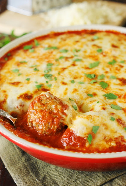 Top 16 Best Recipes of 2016 on The Kitchen is My Playground ~ Easy Meatball Parmesan Casserole