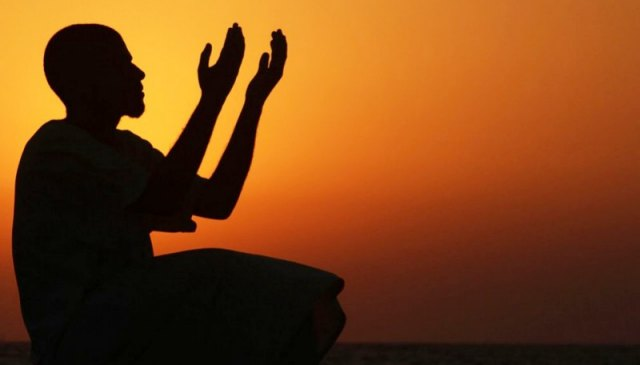 6 Waktu Berdoa yang Mustajab