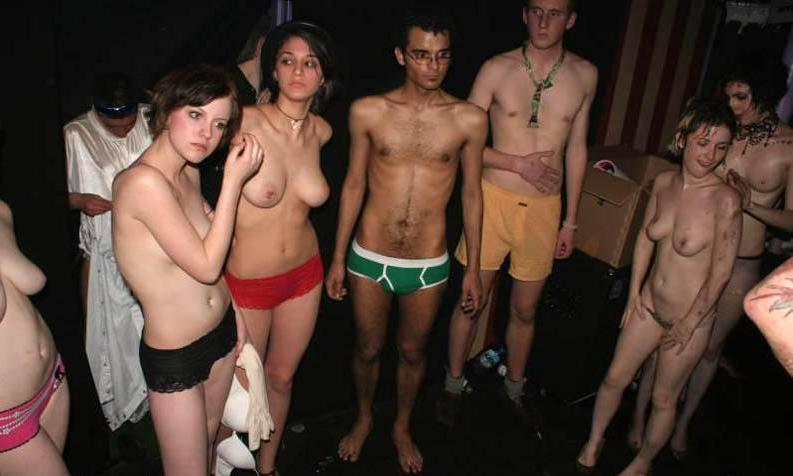 free candid nudity games pics
