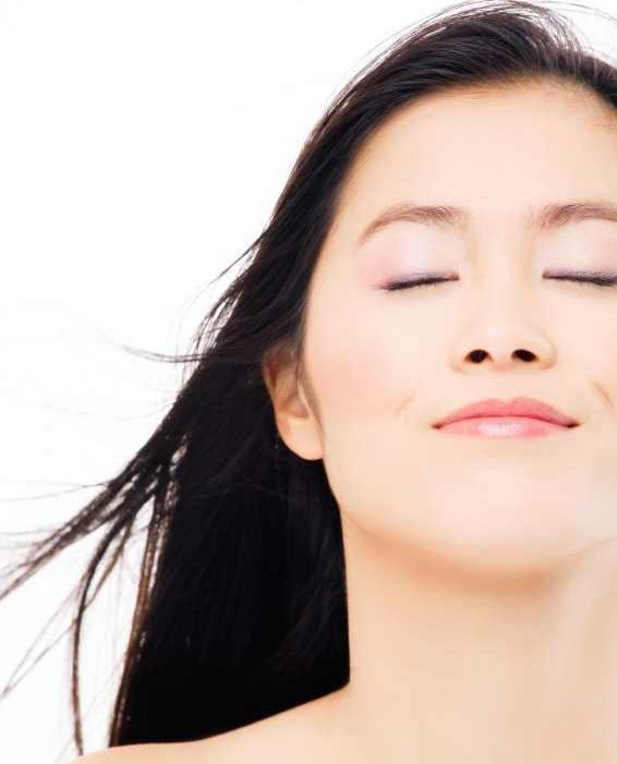 Cara Menghilangkan Flek Hitam Dengan Cepat Dan Alami: Menghilangkan Flek Hitam Akibat Kosmetik