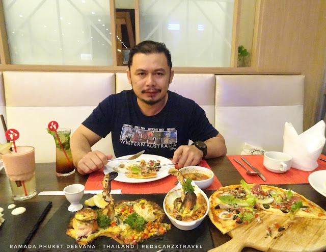 The Cafe Ramada Phuket Deevana