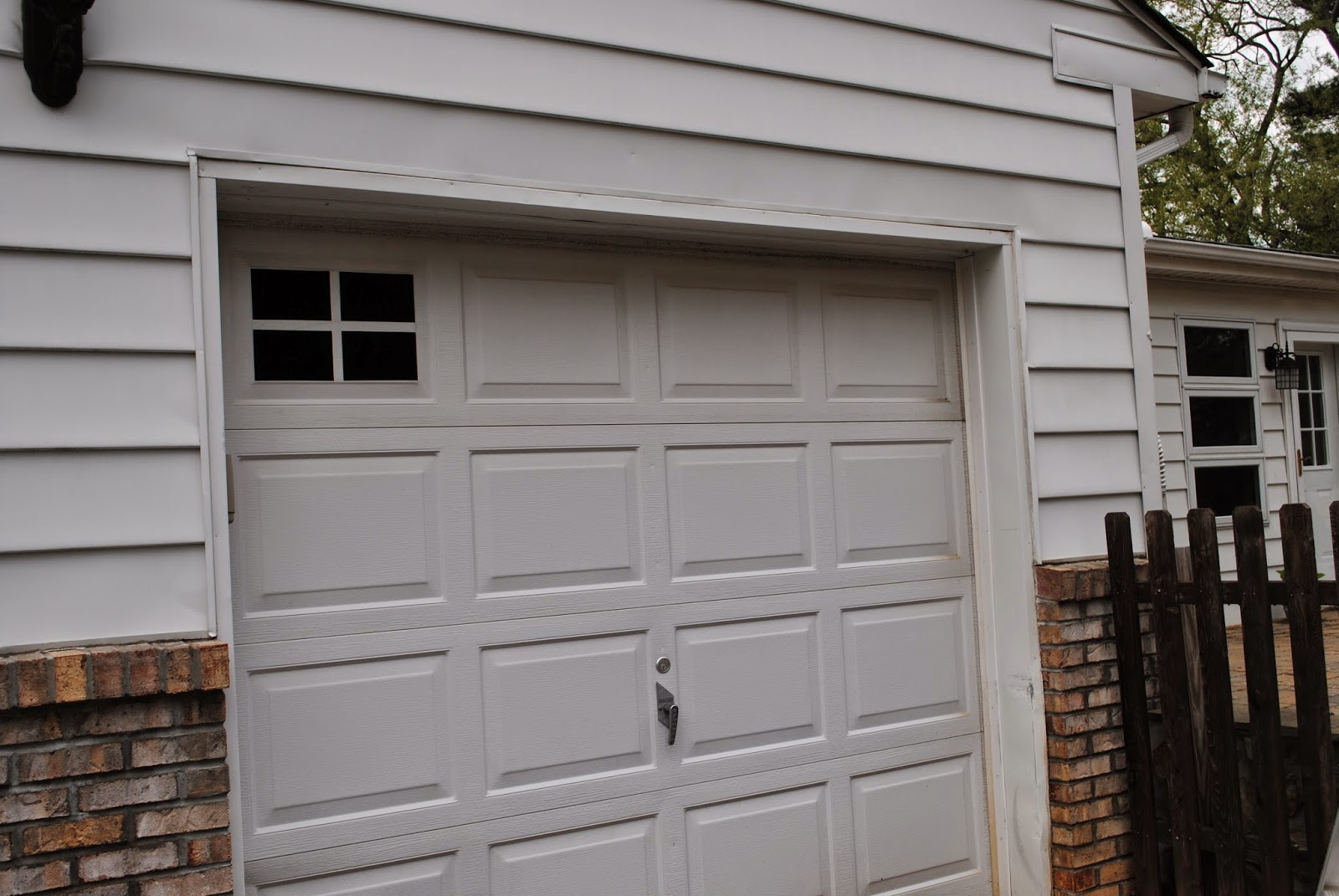 DIY (Vinyl) Faux Carriage Garage Doors (Free Studio File