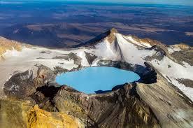 danau di atas puncak gunung di tongariro national park