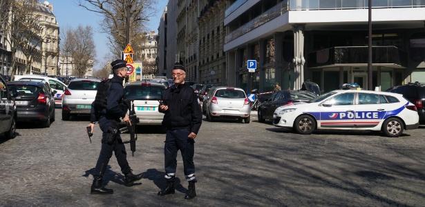 Explosão de carta-bomba na sede do FMI em Paris deixa um ferido