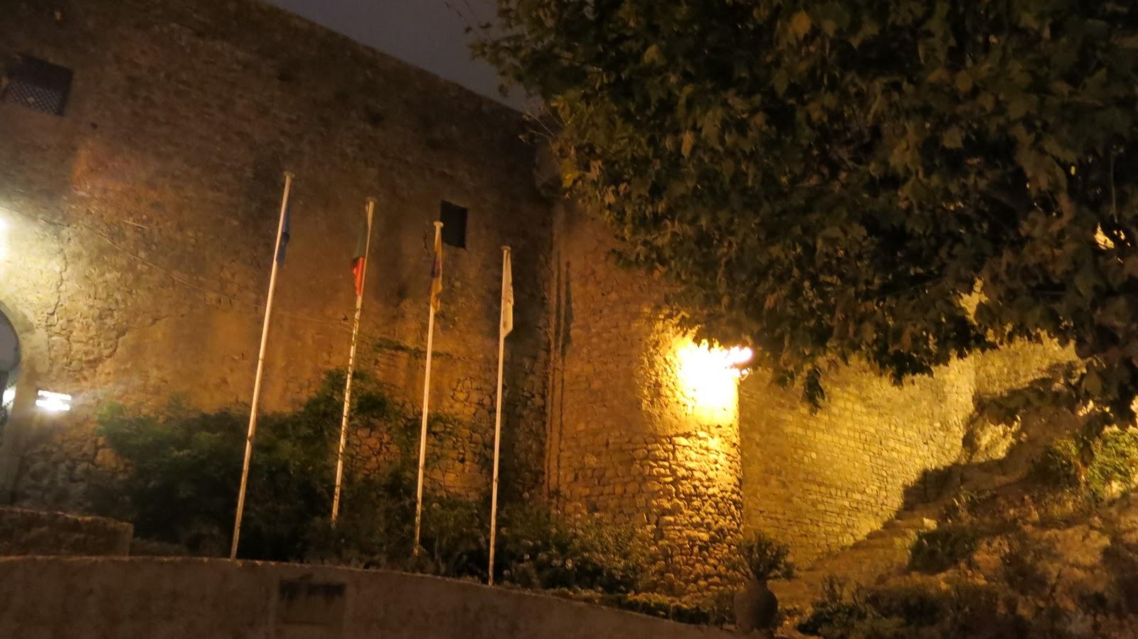 Vivendoo Uma Noite De Princesa Medieval Jantar No Castelo De  ~ Quarto Cinza De Bebe E Quarto Estilo Medieval