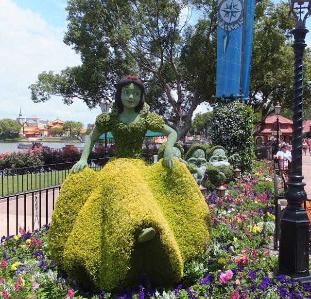 EPCOT Topiary Snow White