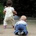 Bayi Anda Tak Merangkak? Terus Bangkit & Berjalan? Jangan Gembira Dulu