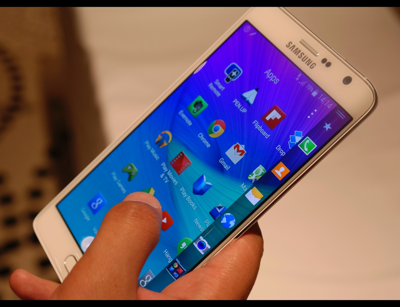 samsung galaxy note edge in depth review specs techfools. Black Bedroom Furniture Sets. Home Design Ideas