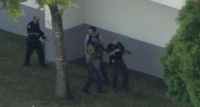 Al menos una veintena de heridos en un tiroteo en colegio del sur de Florida