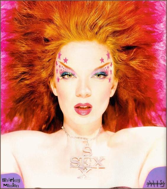 shirley-manson-cabelo-vermelho-laranja-cor-de-fogo