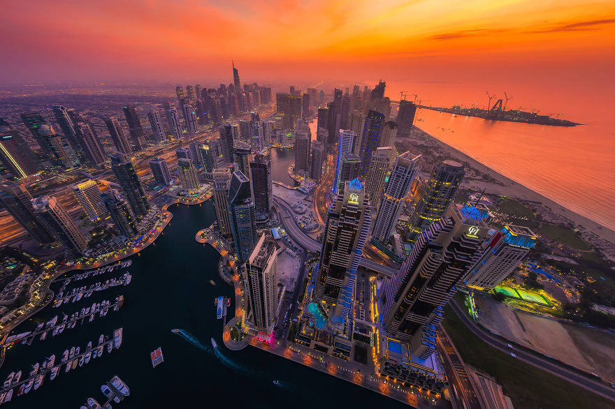 Night Time Dubai Looks Like It Came Straight From A Sci Fi