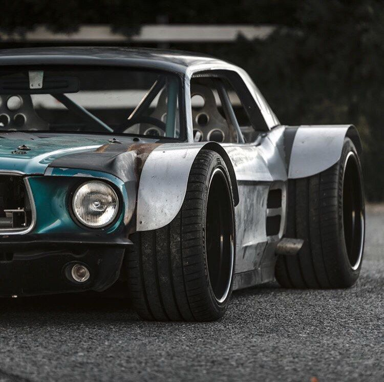 Custom unit with the engine from CORVETTE - Mustang Coupe from Kyle Scaife