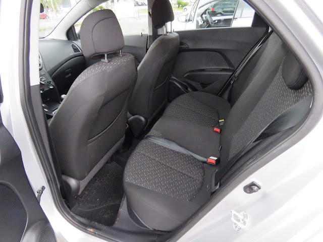 Hyundai HB20 1.0 Espaço traseiro
