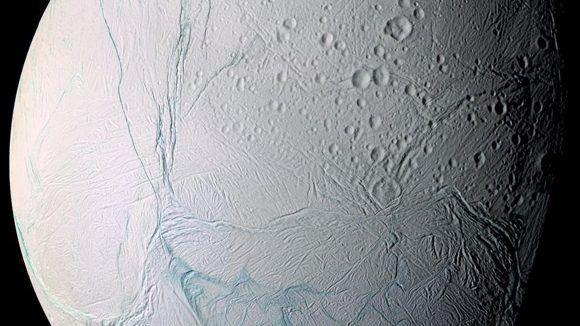 La luna de Saturno esconde vida