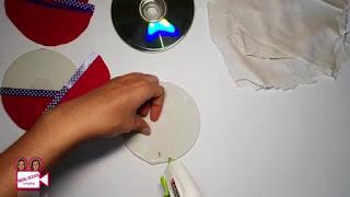 membuat sendiri Tempat Perkakas dari CD Bekas