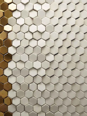 hexagonal 3D wall panels made of gypsum