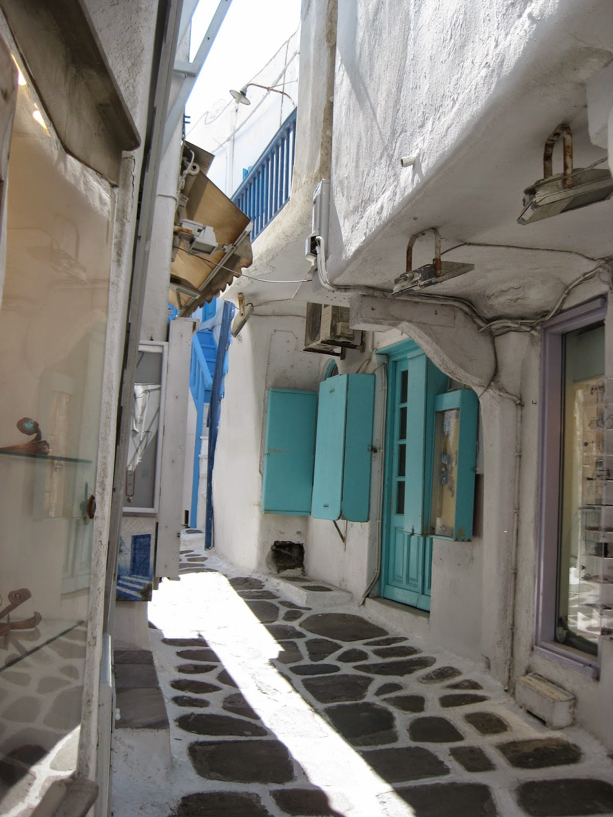 Mykonos - Beautiful winding streets full of boutique shops