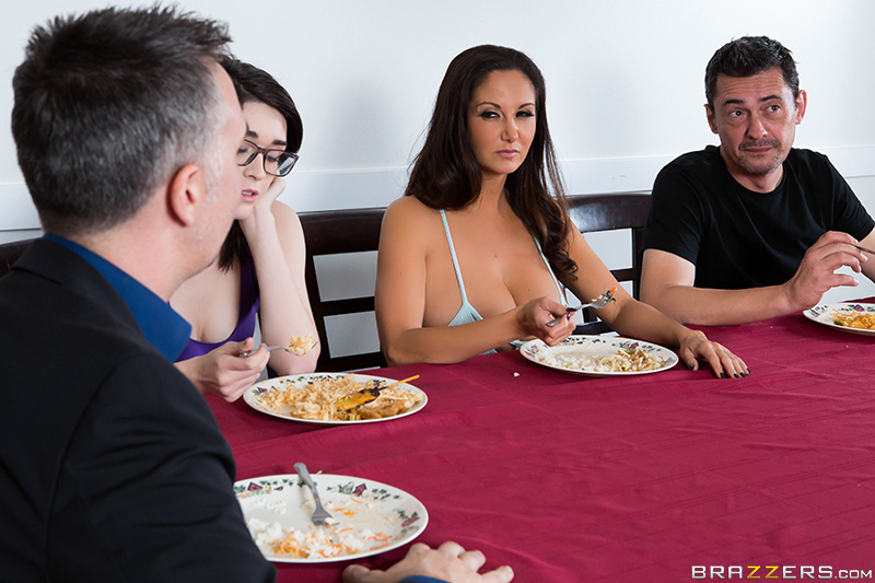 UNCENSORED [brazzers]2016-12-17 Stay Away From My Daughter: Part 2, AV uncensored