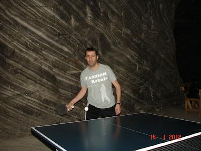 ping-pong in Salina la Ocnele Mari