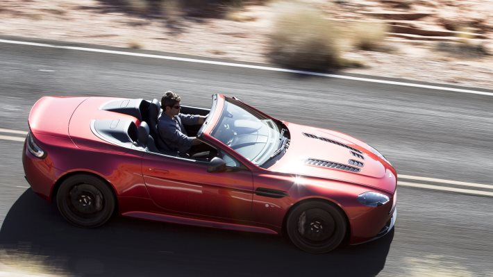 Wallpaper 5: Aston Martin V12 Vantage S Roadster