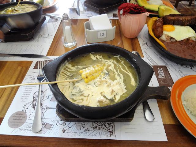 コロンビアの定番料理:Ajiaco(アヒアコ)