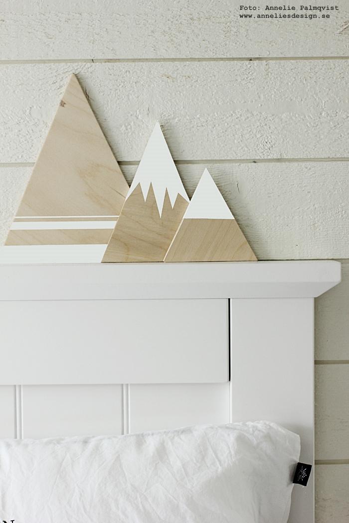 berg, bergen, plywood, måla egna berg, annelies design, inredning, webbutik, webbutiker, webshop, inredningsdetaljer, sovrum, sovrummet, sänggavel, vitt, trärent, trärena, detaljer, liggande panel,
