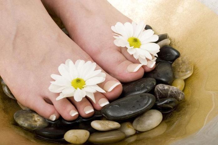 Trung tâm đào tạo nghề spa - lợi ích massage chân đến sức khỏe tại nhà